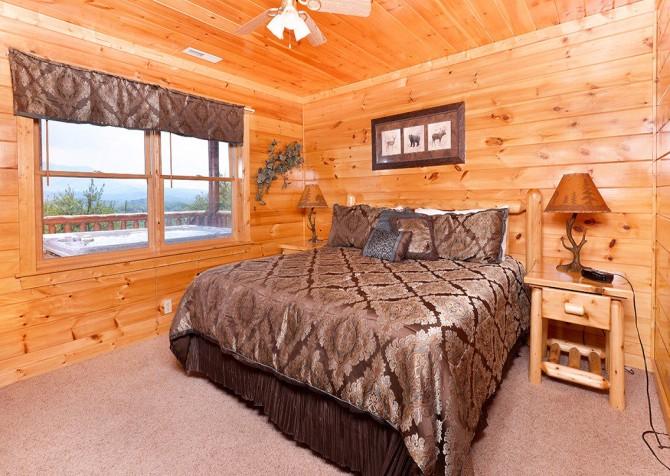 Gatlinburg Cabin - Pinnacle Vista Lodge - Bedroom