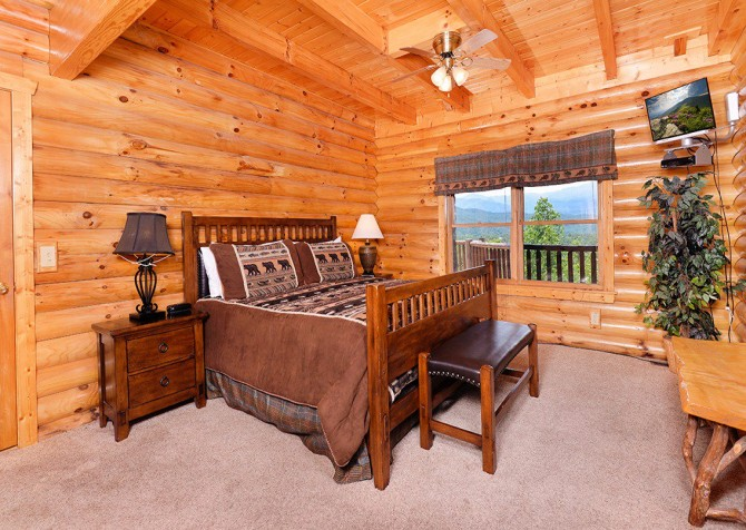 Gatlinburg Cabin - Pinnacle Vista Lodge - Bedroom