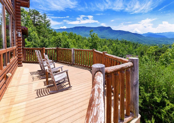 Gatlinburg Cabin - Pinnacle Vista Lodge - Deck