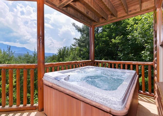 Gatlinburg Cabin - Pinnacle Vista Lodge - Hot Tub