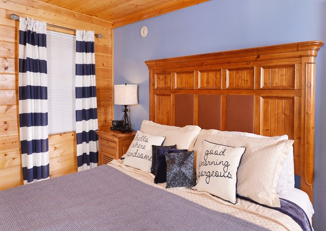 Gatlinburg - Pooling Around – Bedroom
