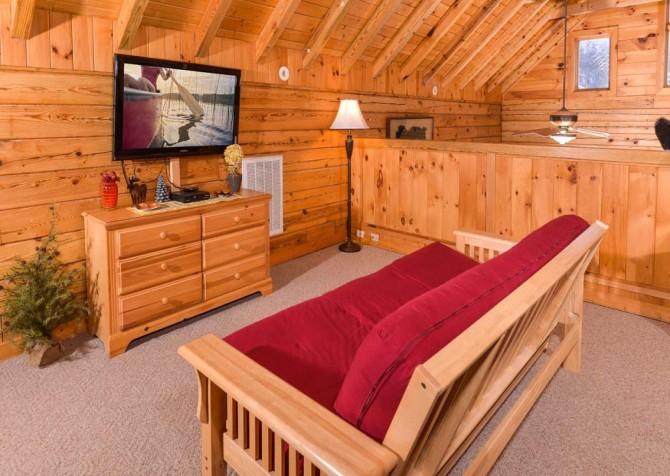 Gatlinburg Cabin- Pop A Bear – Loft Futon