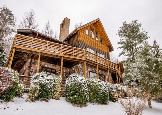 Gatlinburg Cabin- Pop A Bear – Exterior