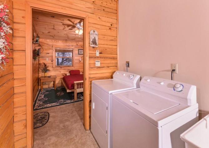 Gatlinburg Cabin- Pop A Bear – Washer and Dryer