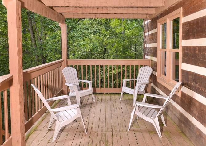 Gatlinburg Cabin- Powdermill Lodge – Deck Seating