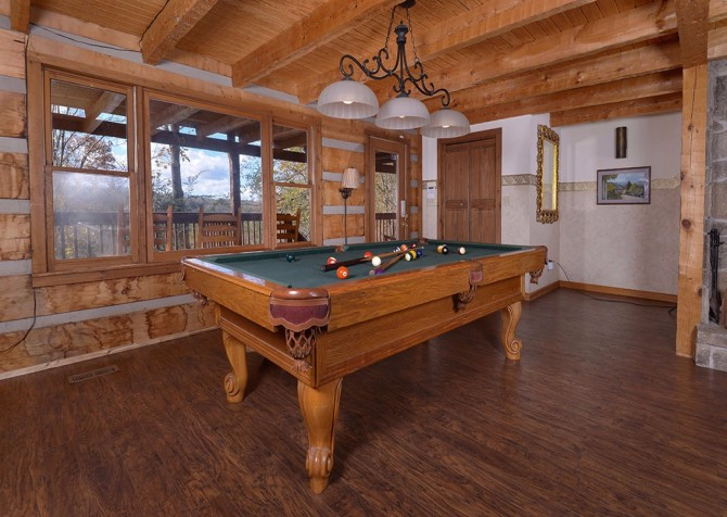 Gatlinburg Cabin- Powdermill Lodge – Pool Table