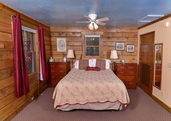 Gatlinburg Cabin- Precious Moments – Bedroom