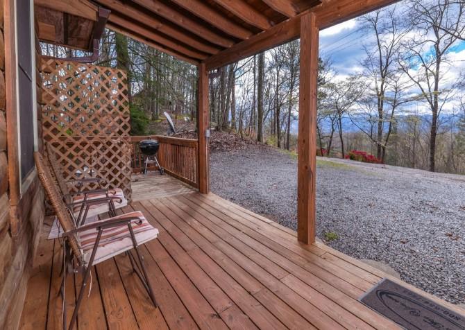 Gatlinburg Cabin- Precious Moments – Deck