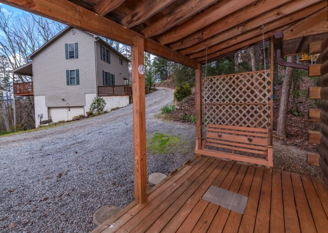 Gatlinburg Cabin- Precious Moments – Deck Swing