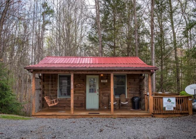 Gatlinburg Cabin- Precious Moments – Exterior
