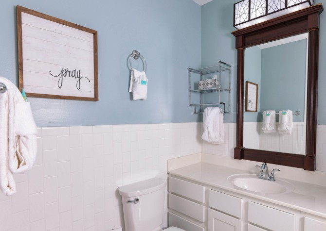Gatlinburg - Red Bud Cottage - Bathroom