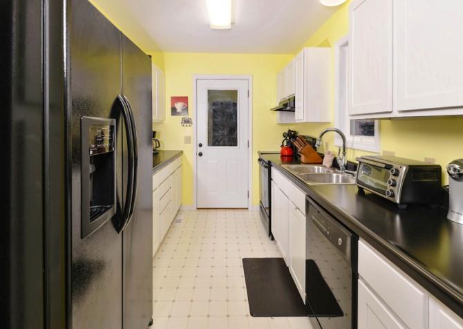 Gatlinburg - Red Bud Cottage - Kitchen