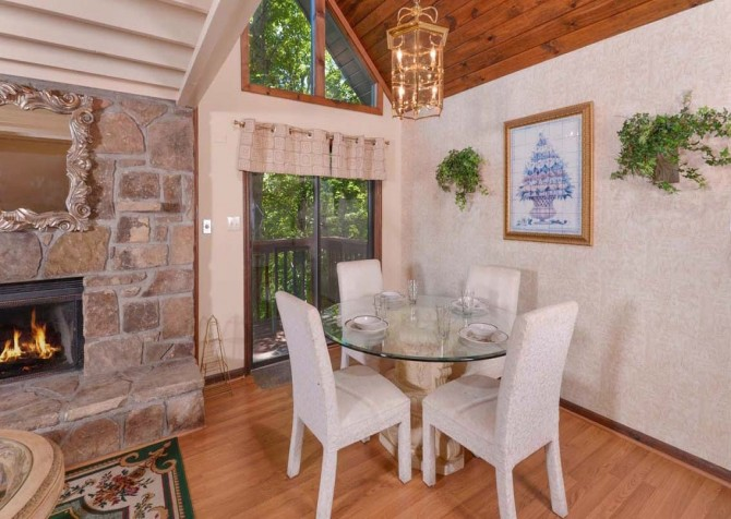 Pigeon Forge - A Romantic Hideaway - Dining