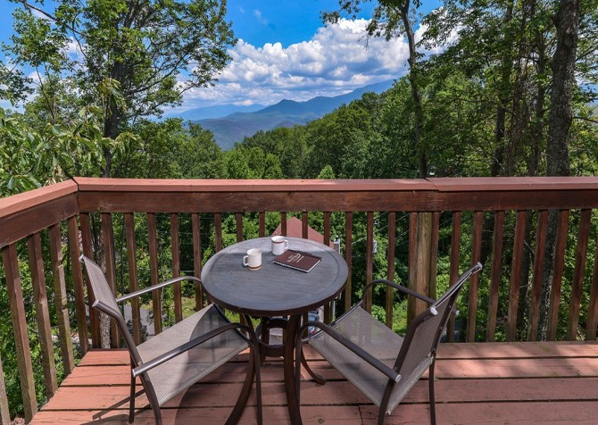 Pigeon Forge - A Romantic Hideaway - Deck Dining