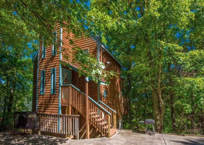 Pigeon Forge - A Romantic Hideaway - Exterior Front