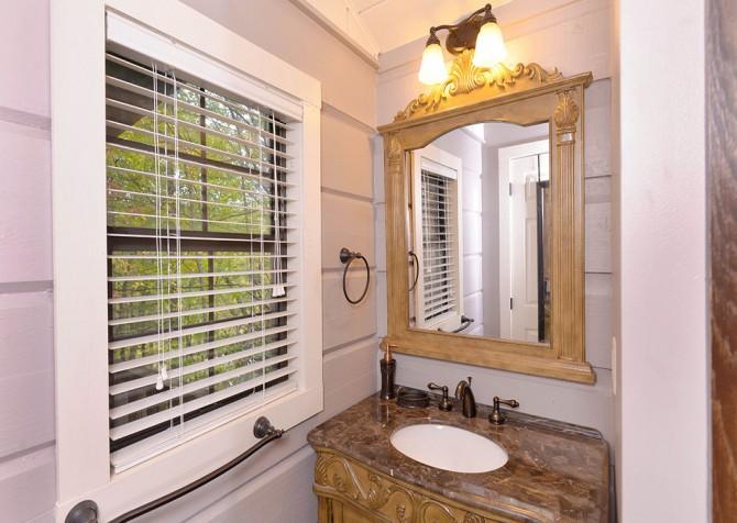 Gatlinburg - Seclusion - Bathroom