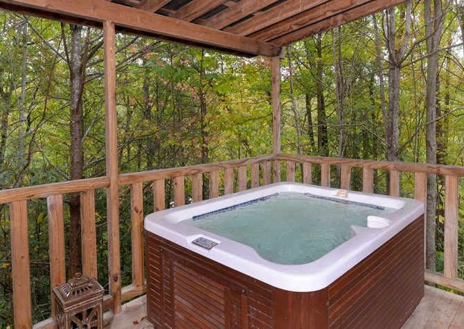 Gatlinburg - Seclusion - Hot Tub