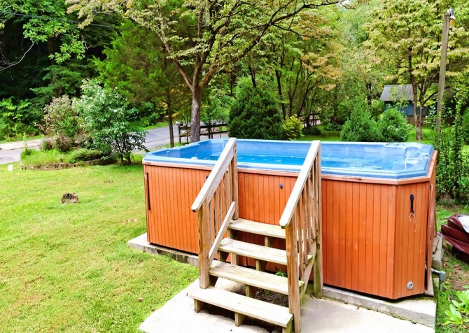 Gatlinburg Cabin - Simone's Cottage - Hot Tub