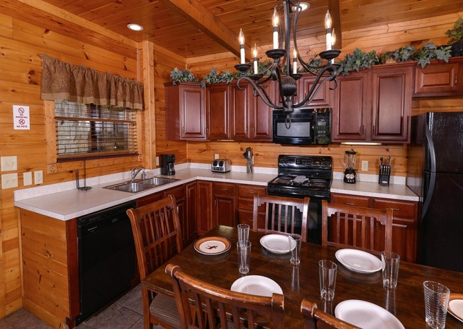 Gatlinburg Smoky Mountain Escape Kitchen