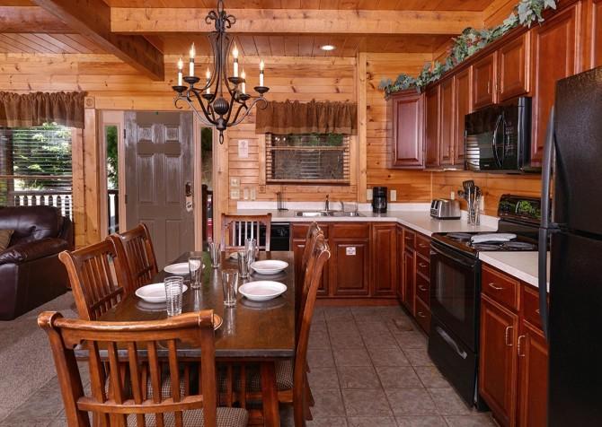 Gatlinburg Smoky Mountain Escape Kitchen