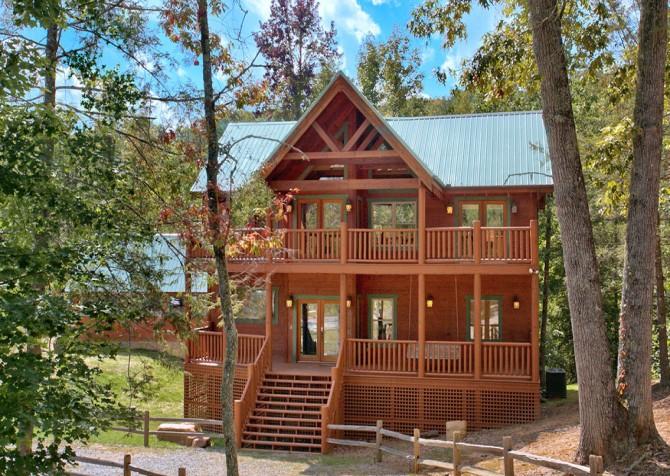 Gatlinburg Splashin Treehouse Exterior