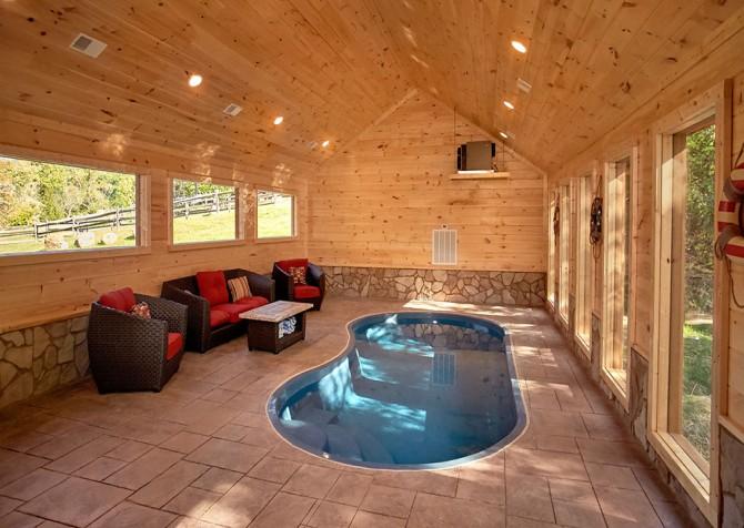 Gatlinburg Splashin Treehouse Indoor Pool