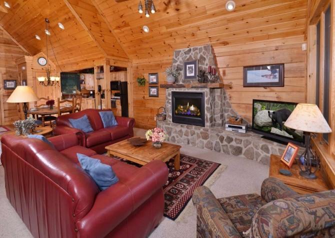 Gatlinburg Squirrel's Nest Living Room