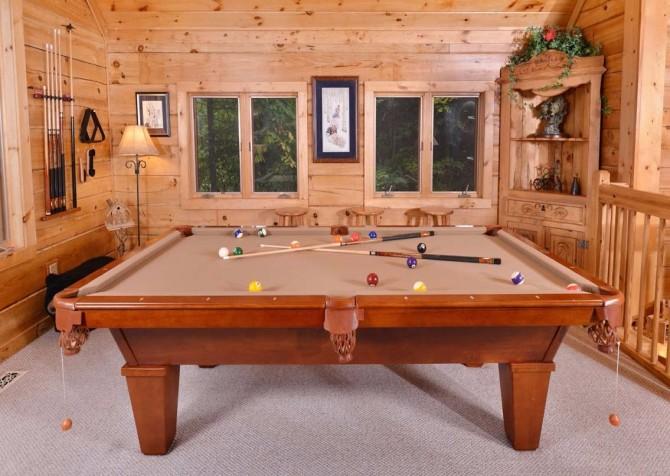 Gatlinburg Squirrel's Nest Recreation Room