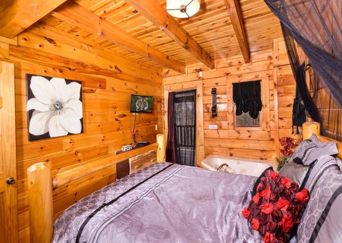 Gatlinburg Sweet Fantasy Bedroom