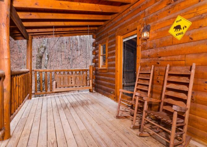 Gatlinburg Sweet Fantasy Covered Deck