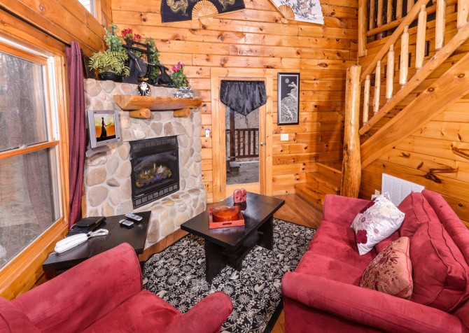 Gatlinburg Sweet Fantasy Living Room