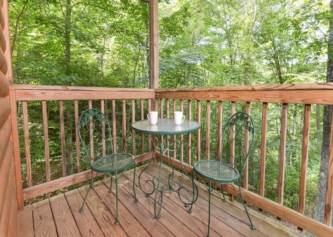 Gatlinburg Sweet Pickins Deck Seating