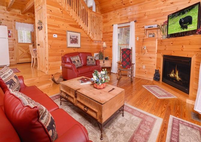 Gatlinburg Sweet Pickins Living Room