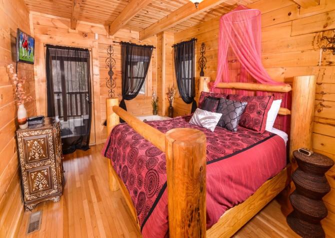 Gatlinburg Sweet Temptations Bedroom