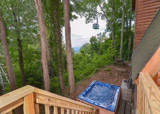 Pigeon Forge - The Raven's Nest - Hot Tub