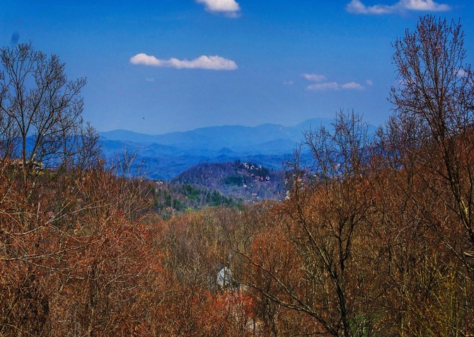Pigeon Forge - The Raven's Nest - View