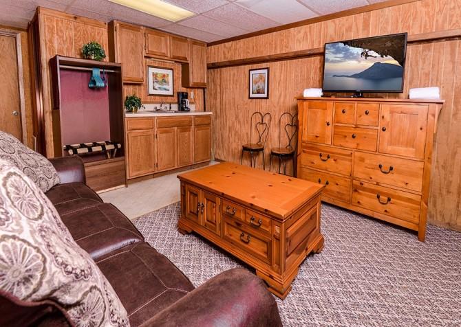 Gatlinburg The Smoky Mountain Lodge Living Room