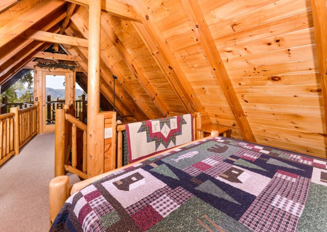 Gatlinburg Tree Tops Bedroom