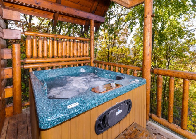 Gatlinburg Tree Tops Hot Tub