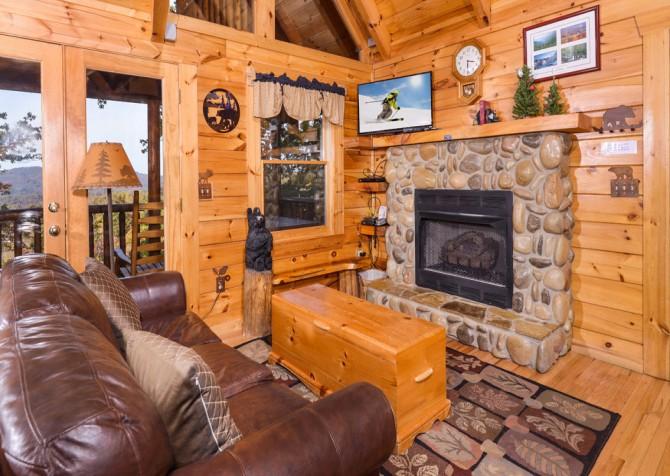 Gatlinburg Tree Tops Living Room