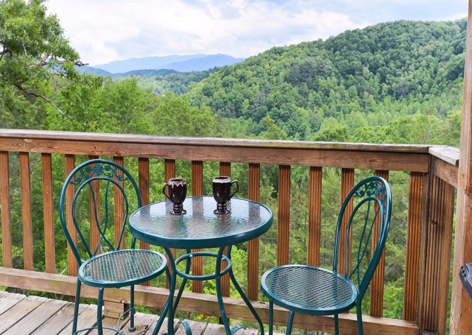 Pigeon- Forge - Mountain Paradise- deck