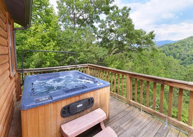 Pigeon- Forge - Mountain Magic- hot tub