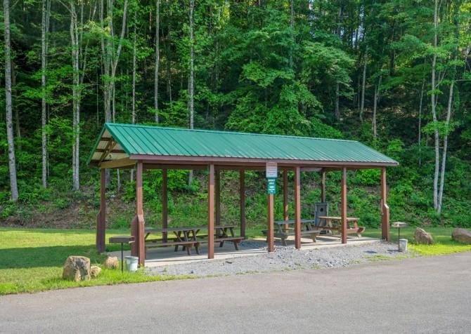 Pigeon Forge Cabin - Wild Bear Lodge – Hidden Springs Resort