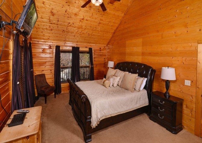 Pigeon Forge - Edge of Paradise - Bedroom