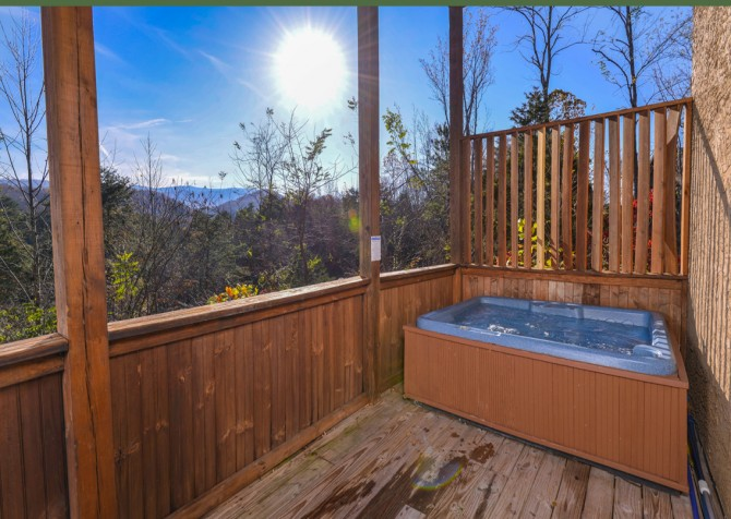 Pigeon Forge - Edge of Paradise - Hot Tub