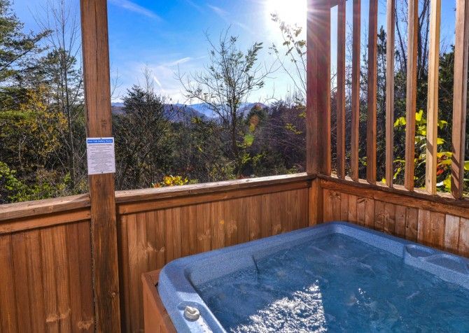 Pigeon Forge - Edge of Paradise - Hot Tub View