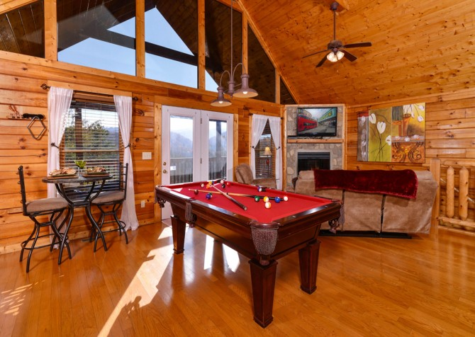 Pigeon Forge - Edge of Paradise - Pool Table