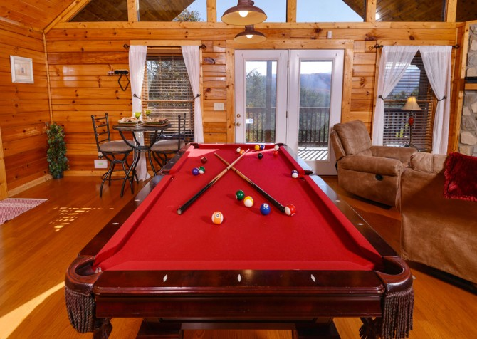 Pigeon Forge - Edge of Paradise - Pool Table and View