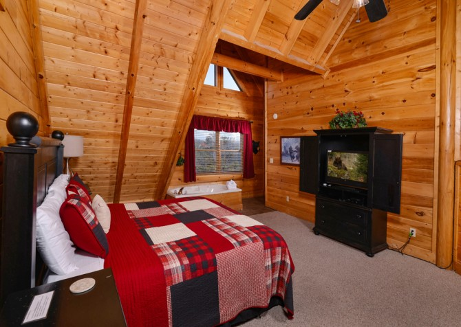 Pigeon Forge Cabin- It's A Wonderful Life – Bedroom One TV