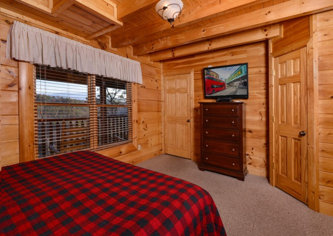 Pigeon Forge Cabin- It's A Wonderful Life – Bedroom Four TV